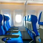 Δεν θα πιστέψετε το λόγο που τα καθίσματα των αεροπλάνων είναι μπλε